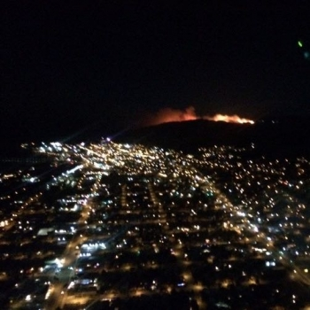 The fire viewed from the city of Ventura. Image: Ventura County Fire.